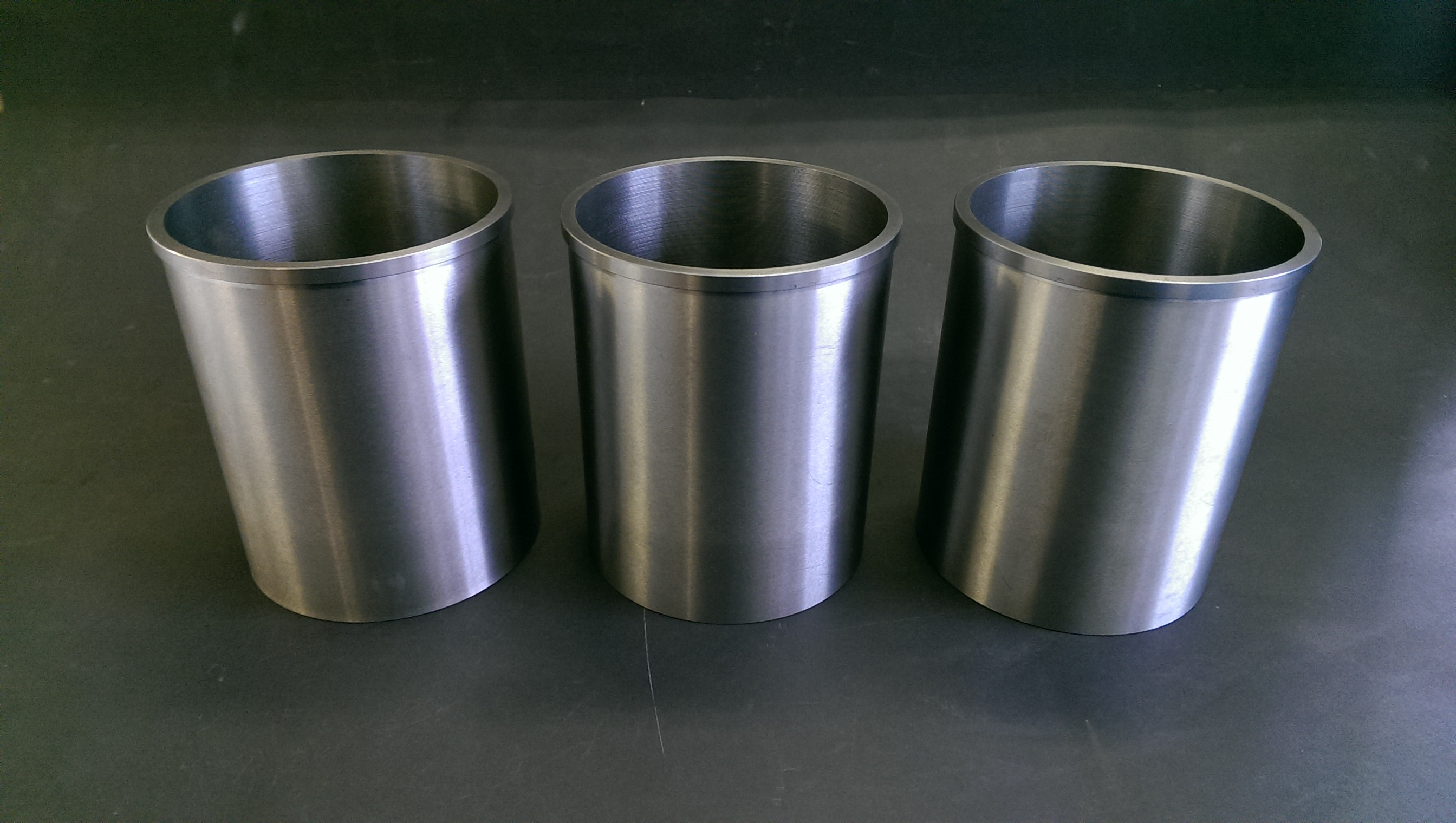 HT Howard - Cylinder liner fitting for cars, motorcycles, vans